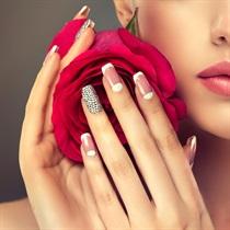 Manicure hybrydowy w Samui-Spa