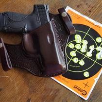 Strzelanie z pistoletów bojowych