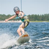 Wakeboarding za motorówką