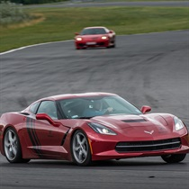 Dodge Viper vs Corvette C7