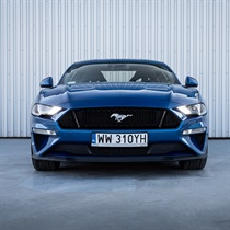 Dzień z Fordem Mustangiem GT