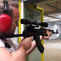 Strzelanie z Kałasznikowa