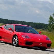 Niezapomniana przejażdżka Ferrari