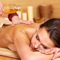 Rewitalizujący masaż olejkami aromatycznymi