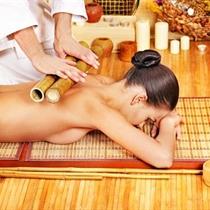 Bambusowy masaż pleców
