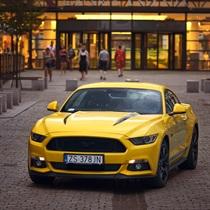 Jazda Mustangiem GT za kierownicą