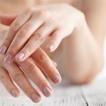 Mikrodermabrazja dłoni