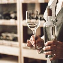 Degustacja wina z sommelierem w domu