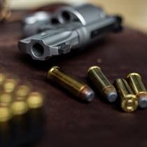 Strzelanie z rewolweru Magnum