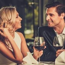 Romantyczna kolacja z winem   Mazury