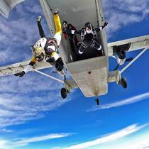 Skok spadochronowy dla dwojga z Desantowca