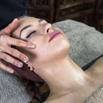 Peeling twarzy z masażem