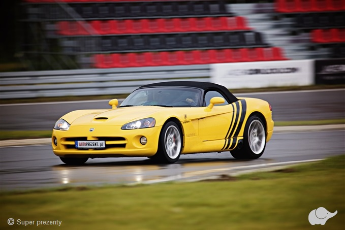Jazda Dodge Viper SRT- 10