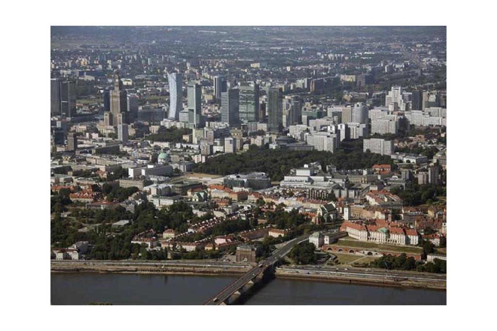 Panorama Warszawy podczas lotu
